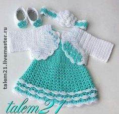 Crochet Baby Dress Crochet Baby Dress Mary Helen artesanatos croche e trico: Ve. Crochet Patterns Girl Mary Helen crafts crochet and knitting: Dresses drinks Cutencuddlyoutfits is proud to present a stunningly beautiful baby girl dress that will leave you Vestidos Bebe Crochet, Crochet Bebe, Baby Girl Crochet, Crochet Baby Clothes, Crochet For Kids, Crochet Dresses, Baby Dress Patterns, Crochet Patterns, Baby Pullover