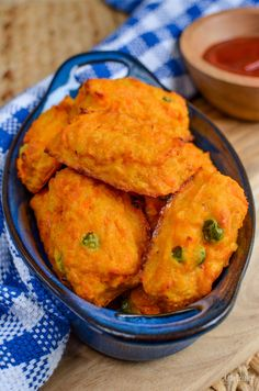 Little Grazers Sweet Potato Lentil and Cheddar Croquettes - gluten free vegetarian baby led weaning blw kid food finger foods fussy eaters Toddler Finger Foods, Healthy Toddler Meals, Toddler Lunches, Healthy Foods To Eat, Kids Meals, Healthy Recipes, Toddler Food, Toddler Menu, Baby Meals