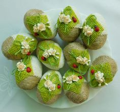 Easter home decoration ideas to make your happy 4 – Ximplah Update Jute Crafts, Egg Crafts, Easter Crafts, Christmas Candle Decorations, Led Christmas Tree, Crochet Christmas Cozy, Easter Crochet, Quilling Patterns, Egg Decorating