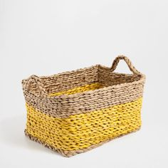 Fun basket for storing party supplies: http://www.stylemepretty.com/living/2015/05/23/host-the-best-pool-party-ever/