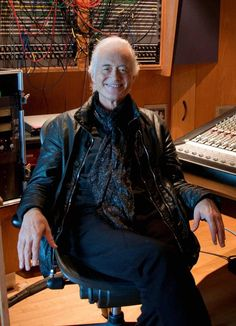 Chris Crowley photo 2014  http://metro.co.uk/2014/11/03/the-sonic-sorcerer-jimmy-page-interview-4932151/