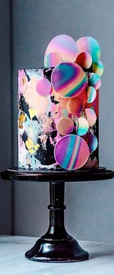 Unique Wedding Cake Designs: The Chicest and Most Modern Ideas - Luxury chocolate and raspberry cake with rainbow colored abstract circles against black. Can you be more trendy than this? By Historias del Ciervo, Colombia. Crazy Cakes, Crazy Wedding Cakes, Unique Wedding Cakes, Unique Cakes, Wedding Cake Designs, Creative Cakes, Cool Cake Designs, Gorgeous Cakes, Pretty Cakes