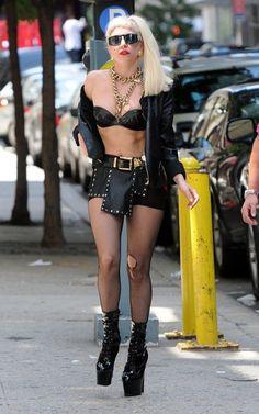 Images Lady Gaga, Lady Gaga Pictures, Lady Gaga Outfits, Lady Gaga Fashion, Lady Gaga Artpop, Ellen Degeneres, Justin Timberlake, Hollywood Celebrities, Cristiano Ronaldo