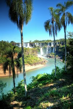 Parque Nacional Iguazu, Argentina -- Travel with orbitz and get up to 7% cash back http://www.trendslove.com/travel-discounts