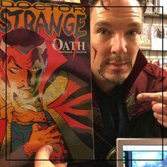 No es noticia que una persona entre a una tienda de comics en Nueva York a buscar algún ejemplar de Doctor Strange, pero que esa persona sea Benedict Cumberbatch personificando al Hechicero Supremo…