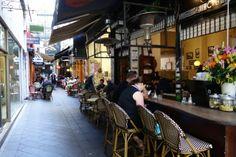 メルボルンの路地裏のカフェ横丁