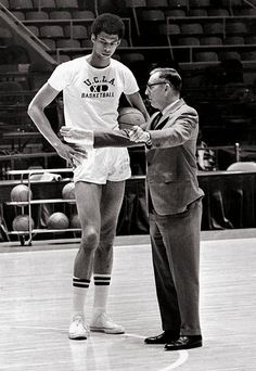 Lou Alcindor (prior to his conversion to Islam) and Coach John Wooden. This is back when UCLA was relevant in college basketball. Sport Basketball, Basketball Legends, College Basketball, Basketball Players, Basketball Shooting, Nba Players, Nba Stars, Sports Stars, Netball