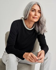 over 50 Here is the best compilation of modern hairstyles for women over Continue reading below and choose the best style for yourself. Classy Hairstyles, Hairstyles Over 50, Short Hairstyles For Women, Scene Hairstyles, Modern Hairstyles, Grey Hair Over 50, Long Gray Hair, Stylish Older Women, Long Hair For Older Women