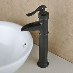Vintage Silver Finish Centerset mitigeur en laiton lavabo robinet R0599KH http://www.robinetshop.com/vintage-silver-finish-centerset-mitigeur-en-laiton-lavabo-robinet-r0599kh-p-512.html