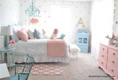 A gorgeous farmhouse bedroom makeover that you have to see to believe - and all using second hand furniture! Big Girl Bedrooms, Little Girl Rooms, Daughters Room, Home And Deco, Dream Rooms, Bedroom Decor, Bedroom Ideas, Girls Bedroom Furniture, Children Furniture