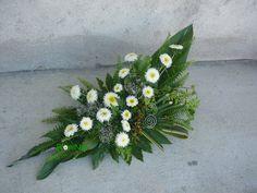 Blog da Ni: Arranjos florais com sércias Arte Floral, Floral Arrangements, Flower Arrangement, Funeral, Flower Designs, Flowers, Blog, Craft, Large Flower Arrangements