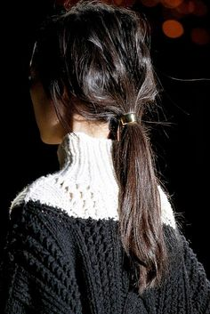 Love this sweater.....wish bloggers would tell me who, what, where.......k