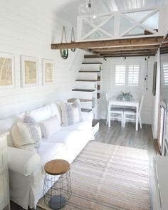 72 Impossible Tiny Loft Decor Ideas We can make a small attic into an extraordin. 72 Impossible Tiny Loft Decor Ideas We can make a small attic into an extraordinary place! Tiny Loft, Tiny House Loft, Tiny House Plans, Tiny House Design, Best Tiny House, Tiny House Bedroom, Tiny House Storage, Small Loft, Small Space