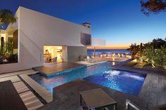 Casa famigliare sulla spiaggia con una suggestiva silhouette 2