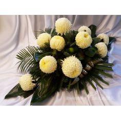 E38 Beautiful Flower Arrangements, Beautiful Flowers, Cemetery Flowers, Table Decorations, Diy, Plants, Projects, Home Decor, Modern Floral Arrangements