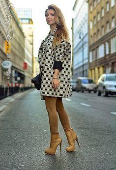 http://chicisimo.com/fashionista/dalbem09/albums/boots/page/2/?_t=1423606474771