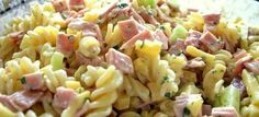 Creamy Ham Pasta Salad Spring and summer scream pasta salads. I make a variety of pasta salads because I don't have to cook lunch for the children. Pasta Fusilli, Ham Pasta, Salvadoran Food, Creamy Pasta Recipes, Summer Pasta Salad, Cold Pasta, Fruit Salad Recipes, Picnic Foods, Mediterranean Recipes