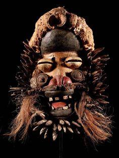 Maske der Ngere We Elfenbeinkuste incl Stander Liberia, African Masks, African Art, Mask Dance, Occult Symbols, Art Premier, Art Africain, Cultural Identity, Head & Shoulders