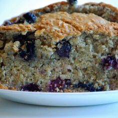 This Oatmeal Blueberry Bread is so easy to make, plus you get the health benefits of blueberries! The whole family will definitely love it. Healthy Blueberry Bread, Blueberry Oatmeal Bread, Blueberry Bread Recipe, Healthy Bread Recipes, Blueberry Recipes, Healthy Treats, Healthy Baking, Real Food Recipes, Dessert Recipes