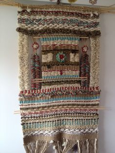 ETNIA COLOR: Trabajos de algunas alumnas Textiles, Textile Prints, Home Textile, Textile Art, Tapestry Loom, Types Of Weaving, Weaving Wall Hanging, Weaving Projects, Tear