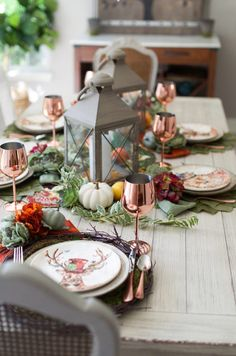 Autumn Table Tips: How to Set a Table for Fall - Entertaining Ideas Fall Table Settings, Thanksgiving Table Settings, Christmas Table Settings, Thanksgiving Ideas, Christmas Decor, Table Setting Inspiration, Autumn Inspiration, Fall Home Decor, Autumn Home