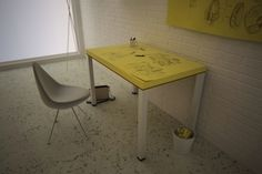 Giant Post-it NoteTable