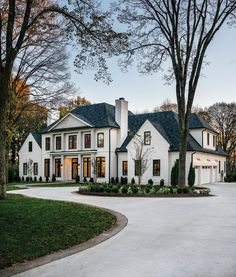 Home Renovation Ideas – Interior And Exterior - Home Remodeling Dream House Exterior, Dream House Plans, House Exterior Design, Big Houses Exterior, Colonial House Exteriors, Luxury Homes Exterior, Bungalow Exterior, Modern Farmhouse Exterior, Exterior Paint