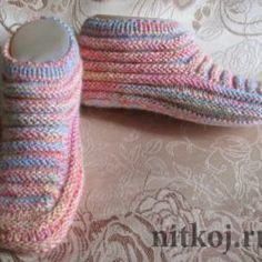 VK is the largest European social network with more than 100 million active users. Knitted Booties, Knit Shoes, Knitted Slippers, Crochet Shoes, Baby Booties, Mitten Gloves, Mittens, Crochet Ripple, Slipper Boots
