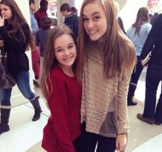 I love her hair color. Madison Lintz, Her Hair, Love Her, Hair Color, Sweaters, Beautiful, Fashion, Moda, Haircolor
