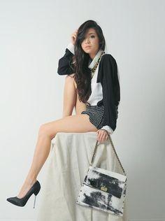 Shop this look on Kaleidoscope (blouse, shorts, pumps, purse)  http://kalei.do/WaBOqjvJZuopqspv