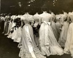 Historical Clothing 1800s | 1895 Class Day On the Lawn