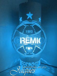 luminária em pvc do Grêmio, criada com cano de 100mm e com 30 cm de altura