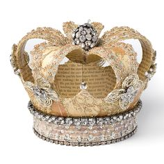 As a centerpiece or just a crown Grand Entrance Crown - vintage newsprint, damask, lace and rhinestones make this an absolutely gorgeous piece for party decor or as a wearable accessory! Crown Decor, Diy Crown, Crown Party, Paper Crowns, Daughters Of The King, Grand Entrance, Tiaras And Crowns, Crown Jewels, Art Plastique