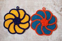 Grumperina goes to local yarn shops and Home Depot: Pinwheel Rose potholders