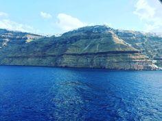 #santorini #greece #pieknie #najlepiej #travel #travelling #niceview #epic #beatiful #world #island #alone #farfaraway by kamil_gdynia