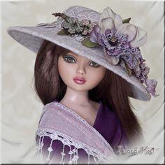 Love the shawl! Robert Tonner Ellowyne Wilde