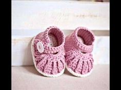 Chain Mary Janes Pattern Baby Booties Crochet Pattern Presentation - YouTube