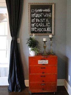 What's For Dinner? Chalkboard Menu >> http://blog.diynetwork.com/maderemade/2013/12/26/4-chalkboard-paint-crafts-for-your-new-years-party?soc=pinterest