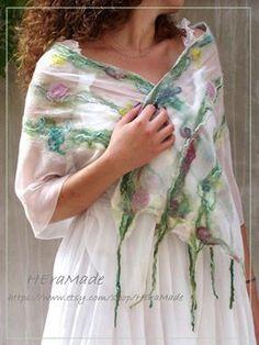 HEraMade - HEra textil : Fairy felt scarf Top Blogs, Handmade Crafts, Textile Art, Tie Dye Skirt, Kimono Top, Fairy, Felt, Textiles, Saree