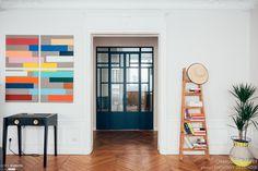 Eva et Grégoire. Rénovation d'un appartement de 100m2  à Paris 17ème. Design Charlotte Féquet. Crédits photos Anthony Delanoix.