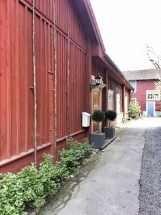 vy från Nora (notera humlen!) Sweden, Garage Doors, Live, Places, Outdoor Decor, Home Decor, Photo Illustration, Decoration Home, Room Decor