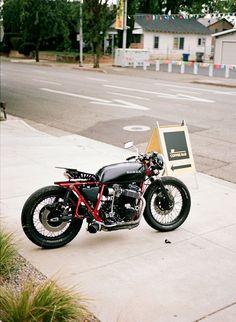 honda cafe...   en iyi motosikletle ilerlerken, en iyi kaskı kullanın! http://www.motosikletaksesuarlari.com/Shark-Kask