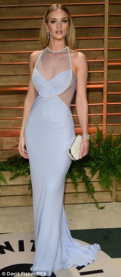 Rosie Huntington-Whiteley Elegant Look