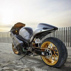 2005 Suzuki Hayabusa by Roland Sands Design