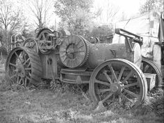 These photographs by Ian Comley were taken a couple of years ago and show the remains of Fowler ploughing engine diesel conversions lying derelict at Wixford, near Stratford-upon-Avon. Once owned. Antique Tractors, Vintage Tractors, Old Tractors, Lanz Bulldog, Steam Tractor, Old Wagons, Gas Turbine, Unique Cars, Steam Engine