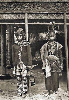 Indonesia | Sumatra Couple | ca. 1909, from  the 'Die Zeitschrift für…
