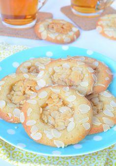 Romeo's – amandelkoekjes Brownie Cookies, No Bake Cookies, Cake Cookies, Cupcakes, Dutch Cookies, Sweet Pie, Pie Cake, Cake Boss, High Tea