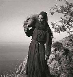 Orthodox Priest, Orthodox Christianity, Christian Artwork, Angels Among Us, Dark Ages, Old Pictures, Egypt, Catholic, Spirituality