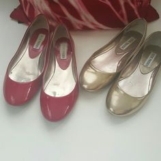 7.5 Steve Madden flat bundle Two for the price of one! Red and champagne metallic faux leather Heaven flats. Feel like heaven on your feet. Very comfortable and very little signs of wear! Both size 7.5. Steve Madden Shoes Flats & Loafers