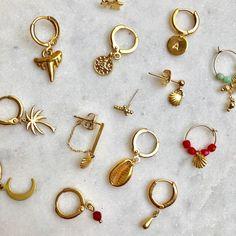 Earcandy 15 € each. See link to shop ✨✨✨ earrings Earcandy 15 € each. See link to shop ✨✨✨ earrings Black Diamond Earrings, Rose Earrings, Crystal Earrings, Statement Earrings, Jewellery Earrings, Gold Jewellery, Stud Earrings, Diamond Stud, Dainty Jewelry